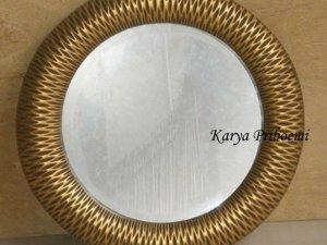 Cermin Bulat Antik