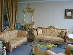 Kursi Tamu Sofa Klasik Emas