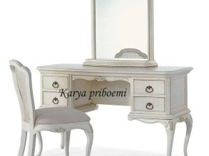 Meja Rias Ivory