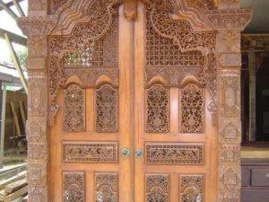 Pintu Gapura Gebyok