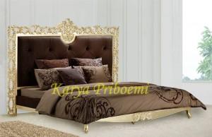 Tempat Tidur Klasik 363