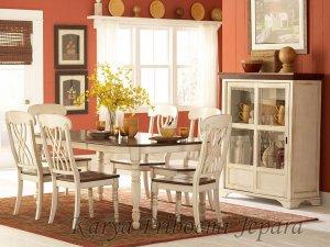 Meja Makan Putih Natural Doff