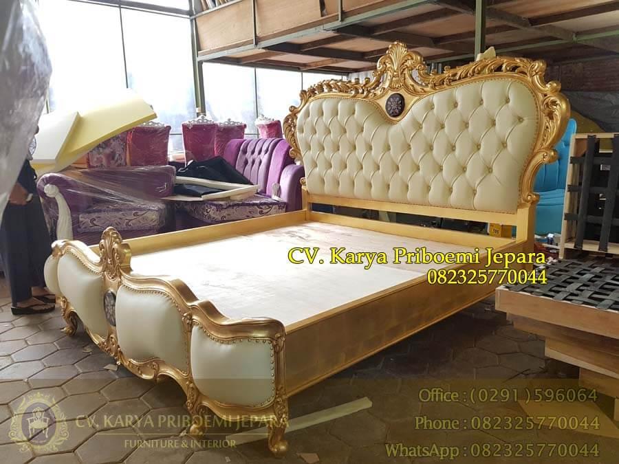 Tempat Tidur Klasik Mewah Ukiran Jepara Gold Leaf